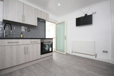 1 bedroom flat to rent - Ducane Road, East Acton, London, W12 0BL