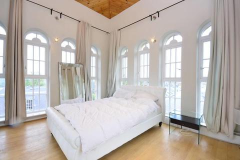 2 bedroom maisonette to rent - Royal Drive, Friern Barnet, London, N11 3FT
