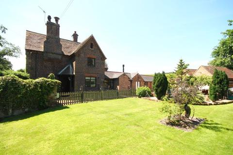 3 bedroom semi-detached house for sale - Whitmore Road, Butterton