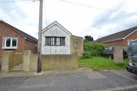 2 bedroom detached bungalow for sale - Kent Avenue, Minster