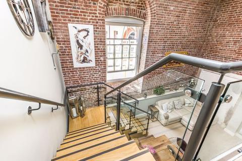 2 bedroom duplex for sale - The Vulcan, Gunwharf Quays, Portsmouth