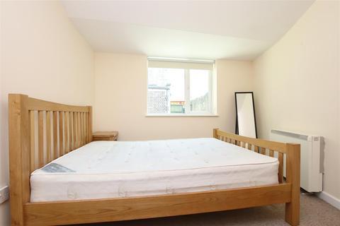 1 bedroom flat to rent - Lower Bristol Road, Bath, BA2