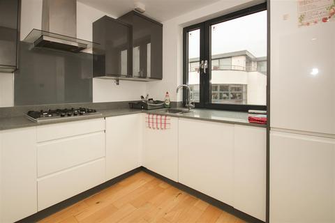 2 bedroom apartment for sale - 54b Trundleys Road, London