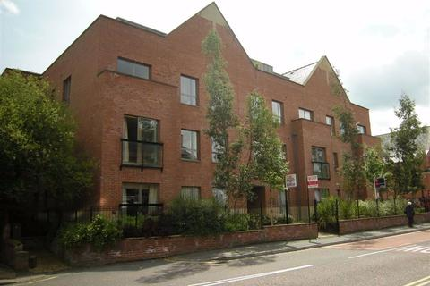 2 bedroom flat to rent - Bank Place, WILMSLOW