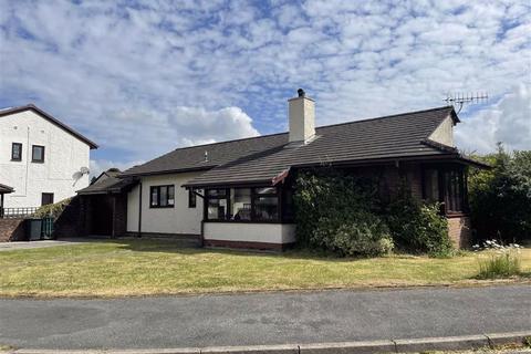 3 bedroom detached bungalow for sale - Parc Yr Eryr, Llanrwst, Conwy