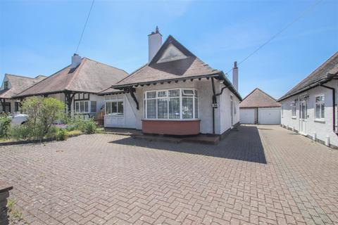 2 bedroom detached bungalow for sale - Crosby Road, Westcliff-On-Sea
