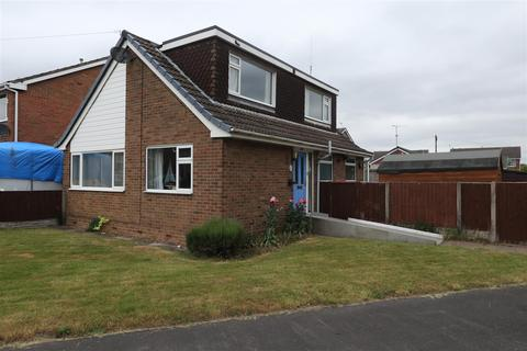 3 bedroom detached bungalow for sale - Fairham Road, Stretton, Burton-On-Trent
