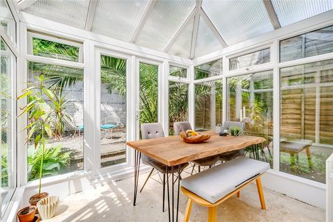 2 bedroom apartment for sale - Harbut Road, London, SW11