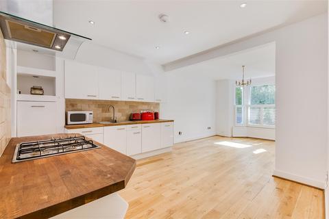 2 bedroom flat for sale - Bridgman Road, London, W4