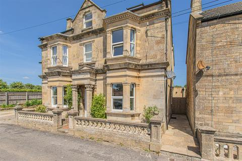 3 bedroom semi-detached house for sale - Hastings Road, Corsham