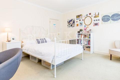 4 bedroom flat to rent - Drummond Street