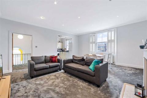 3 bedroom flat for sale - Haverstock Hill, Belsize Park