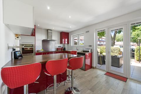 3 bedroom terraced house for sale - William Ellis Way, London, SE16