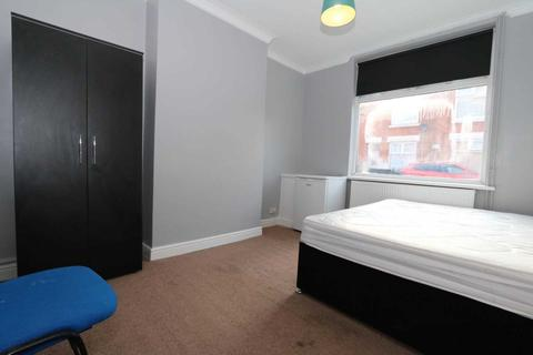 1 bedroom in a house share to rent - Room 4, Browning Street - 4 bedroom student home fully furnished, WIFI & bills included - NO FEES