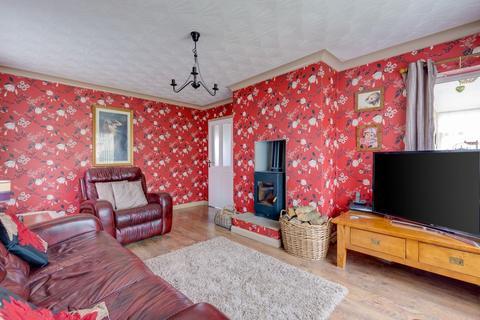 3 bedroom detached bungalow for sale - Highlands Close, Filey YO14 9QU