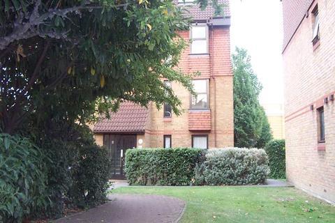 Studio to rent - Coopers Close, London, E1