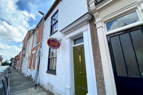 3 bedroom terraced house for sale - Lower Thrift Street, Abington, Northampton NN1 5HP