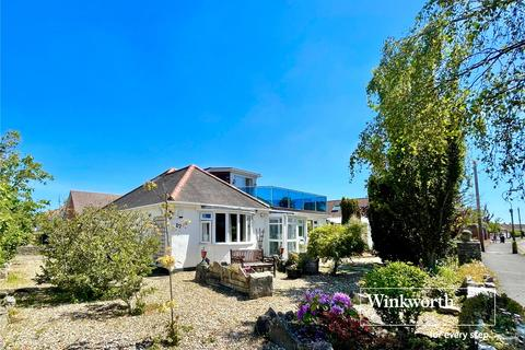 3 bedroom bungalow for sale - Thornbury Road, Bournemouth, BH6