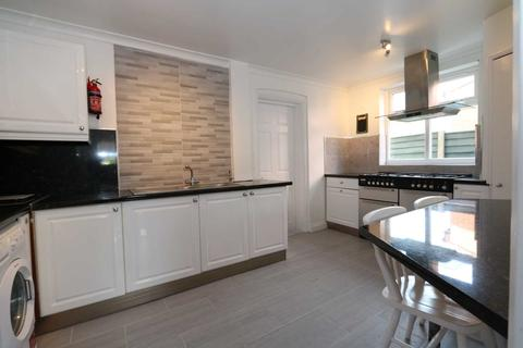 1 bedroom in a house share to rent - Room 4, Cornwall Road - 4 bedroom student home fully furnished, WIFI & bills included - NO FEES