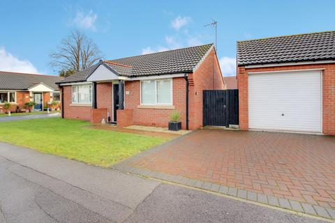 2 bedroom detached bungalow to rent - Birchlands, Forest Town, Mansfield NG19 0ER
