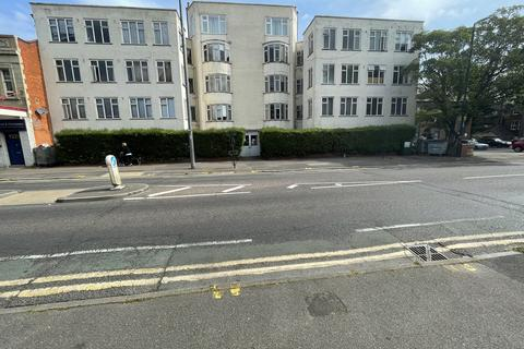 3 bedroom flat to rent - Westbourne BH4