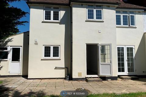 4 bedroom semi-detached house to rent - Warwick Avenue, Edgware