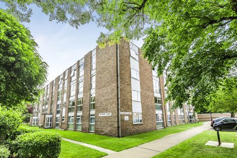 3 bedroom flat to rent - St. Johns Park London SE3