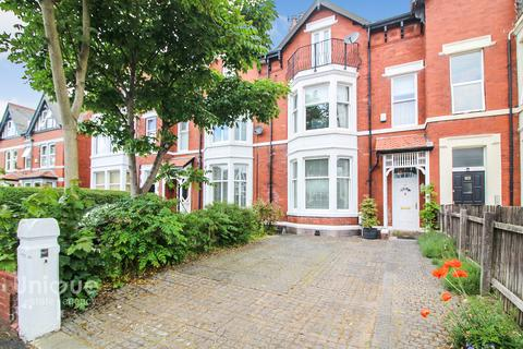 5 bedroom terraced house for sale - Victoria Road,  Lytham St. Annes, FY8
