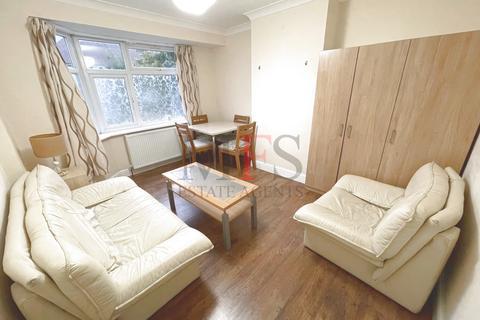 2 bedroom maisonette to rent - Pinewood Ave, Hillingdon, UB8