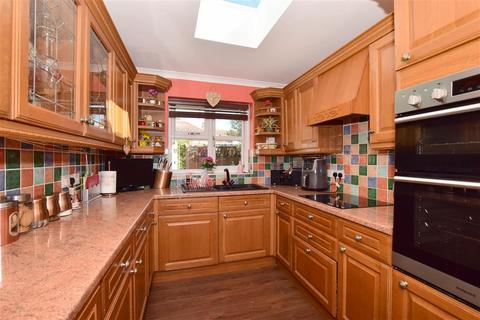 4 bedroom semi-detached house for sale - Whitfield Avenue, Broadstairs, Kent