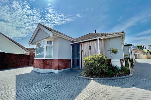 4 bedroom detached bungalow to rent - Poole BH14