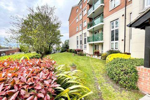 2 bedroom flat for sale - 5 Miles around Westcliff-on-sea SS0