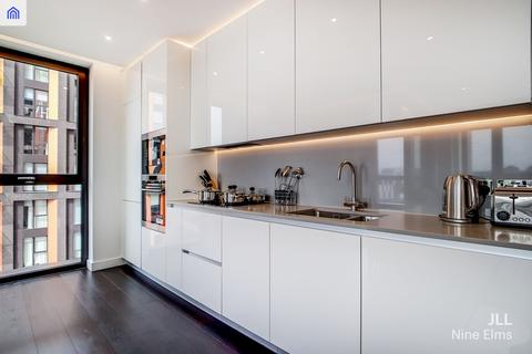 2 bedroom apartment to rent - The Residence London SW11