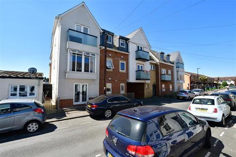 2 bedroom flat for sale - East Road, Welling, Kent