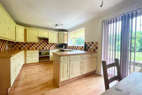 2 bedroom flat to rent - Finchcroft Lane, Prestbury, Cheltenham, GL52