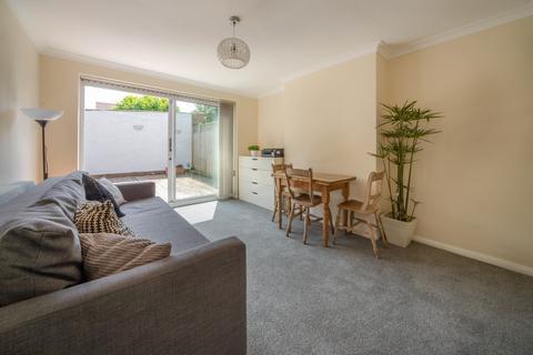 2 bedroom maisonette for sale - Drake Street, EN2