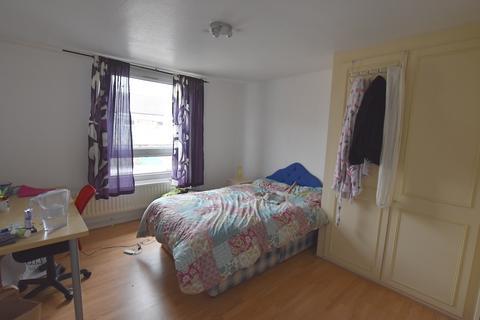 5 bedroom maisonette to rent - Frank Soskice House, Clem Attlee Court SW6