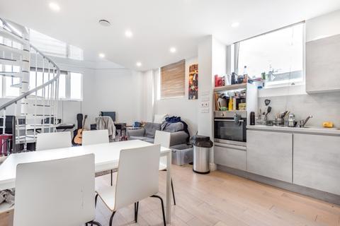 3 bedroom apartment to rent - Woodstock Grove London W12