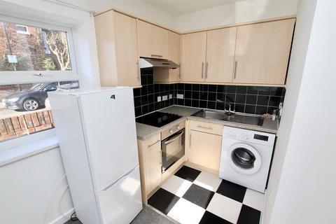 1 bedroom flat to rent - 1 Bedroom Flat   Southampton   Available 1st July 2021