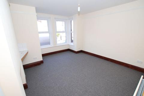 2 bedroom flat to rent - 2 Bedroom Flat   Polygon   Available 1st September 2021