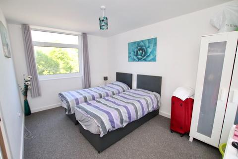 2 bedroom flat to rent - 2 Bedroom Flat   City Centre   Available 1st July 2021