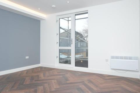 Studio to rent - Cobbold Road, London E11