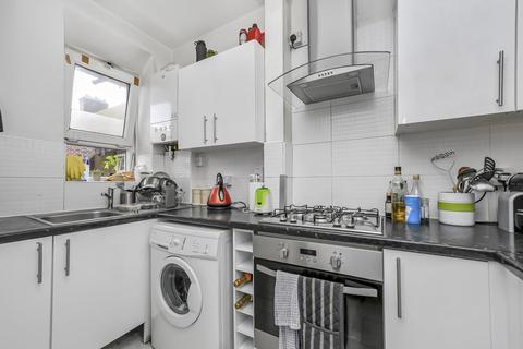 3 bedroom flat to rent - Lulworth House, Dorset Road, London SW8