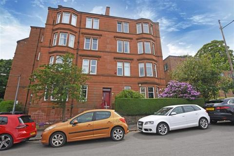 3 bedroom flat for sale - 0/2 106, Albert Road, Crosshill, G42 8DZ