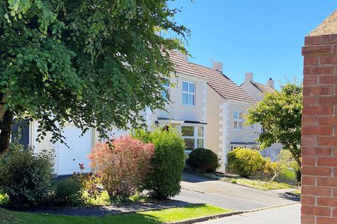 3 bedroom detached house to rent - Les Croutes, St Peter Port, Guernsey, GY1