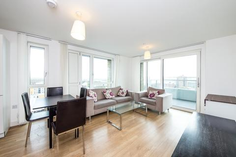 3 bedroom apartment to rent - Marner Point, No 1 The Plaza, Bow E3