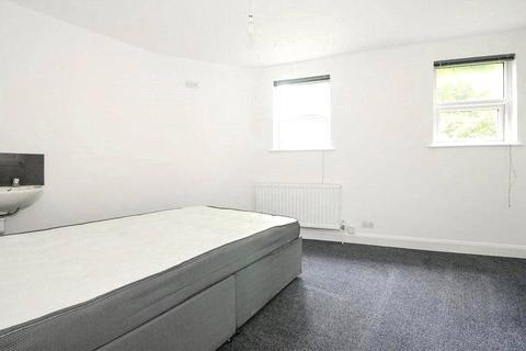 5 bedroom apartment to rent - Lyndhurst Grove, London, SE15