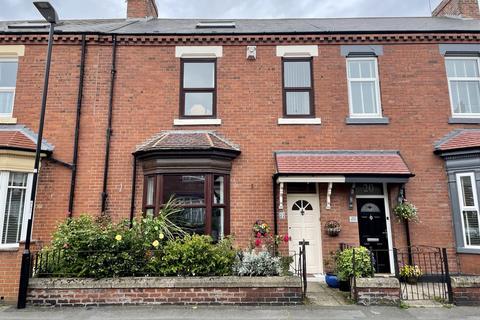 3 bedroom terraced house for sale - Featherstone Street, Roker