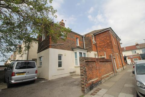 Studio for sale - New Road, North End