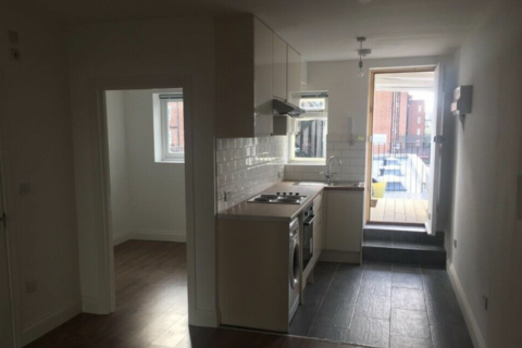 2 bedroom flat to rent - Kentish Town Road, London, NW1